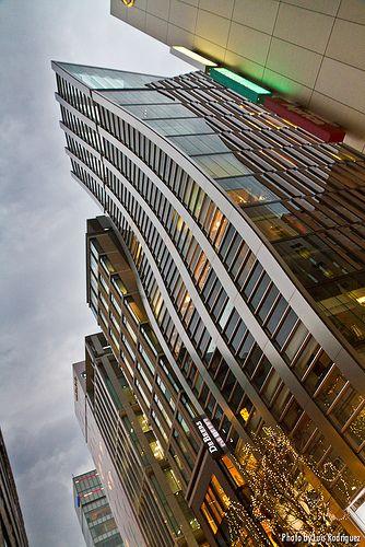 Si vais a viajar a Tokio, no os perdáis el edificio De Beers en Ginza, una preciosidad de Jun Mitsui para esta conocida empresa de diamantes.