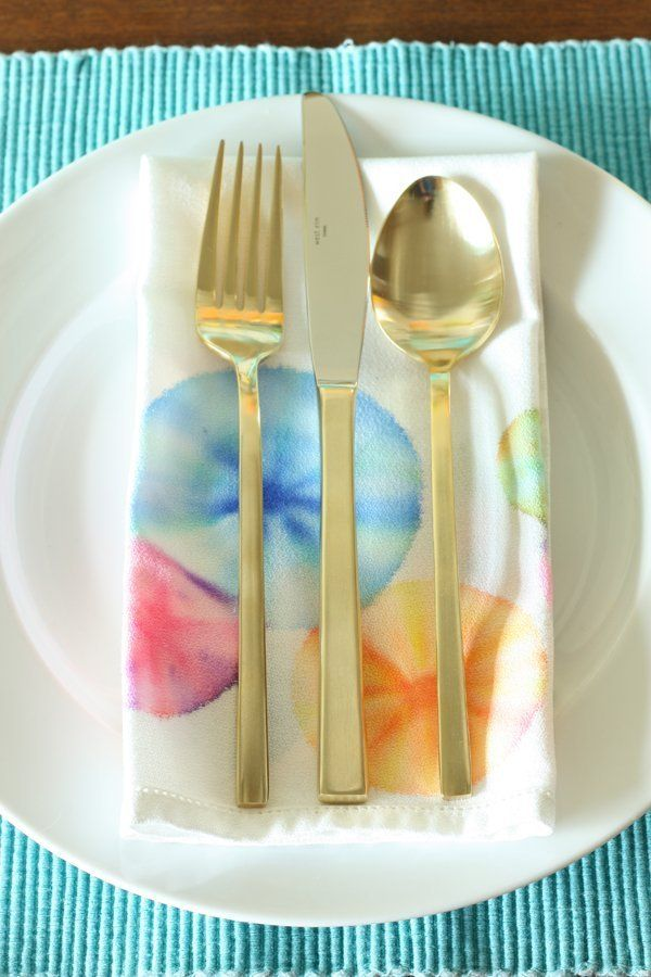 DIY Project Idea:  How To Tie Dye Napkins with Permanent Markers   Apartment Therapy Tutorials