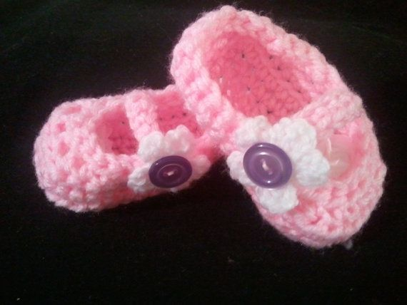 Hand Crocheted Mary Jane Baby Booties by NettesStuff on Etsy, $8.00