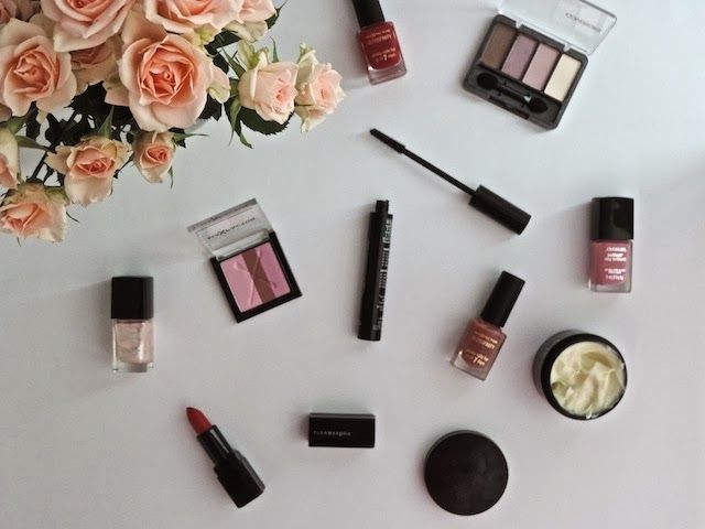 FEBRUARY FAVOURITES - http://www.notesbynicola.com/2014/03/february-favourites.html #makeup #beauty #cosmetics