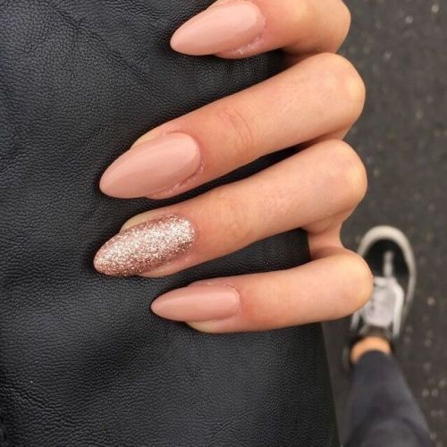 20 Ideas For Neutral Bridal Nails That Are Anything But Boring