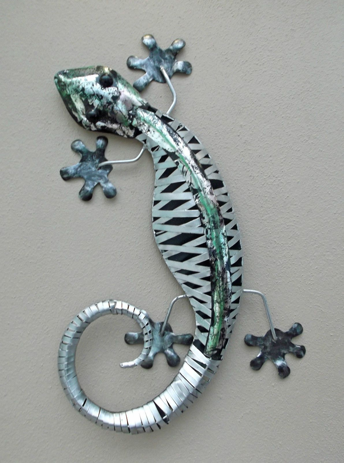 Unusual stripped metal wall gecko ornament cm hand made wall