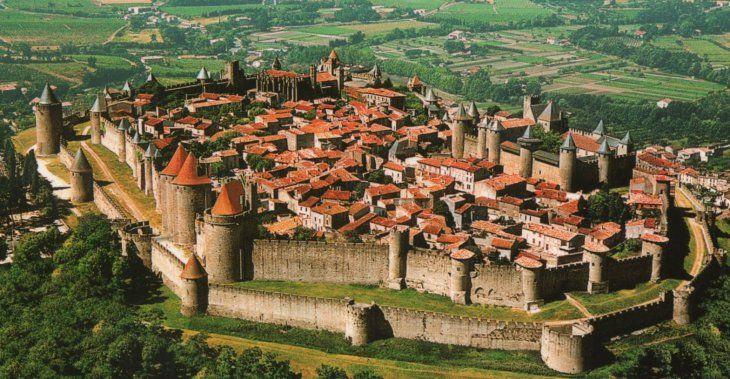 3 El Renacer Urbano Y La Baja Edad Media Ciudad Medieval Ciudades Imagenes De Ciudades
