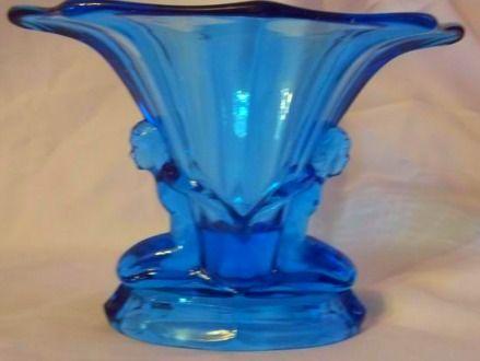Art Deco Walther and Sohne Windsor vase. £ 290. @ http://maxartdeco.binary-synergy.com/