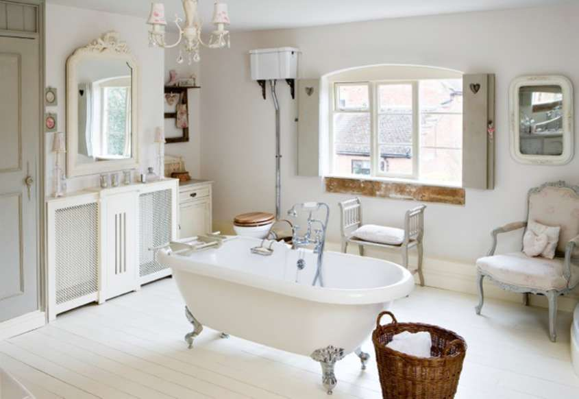 Arredare il bagno in stile shabby chic - Vasca da bagno al centro ...