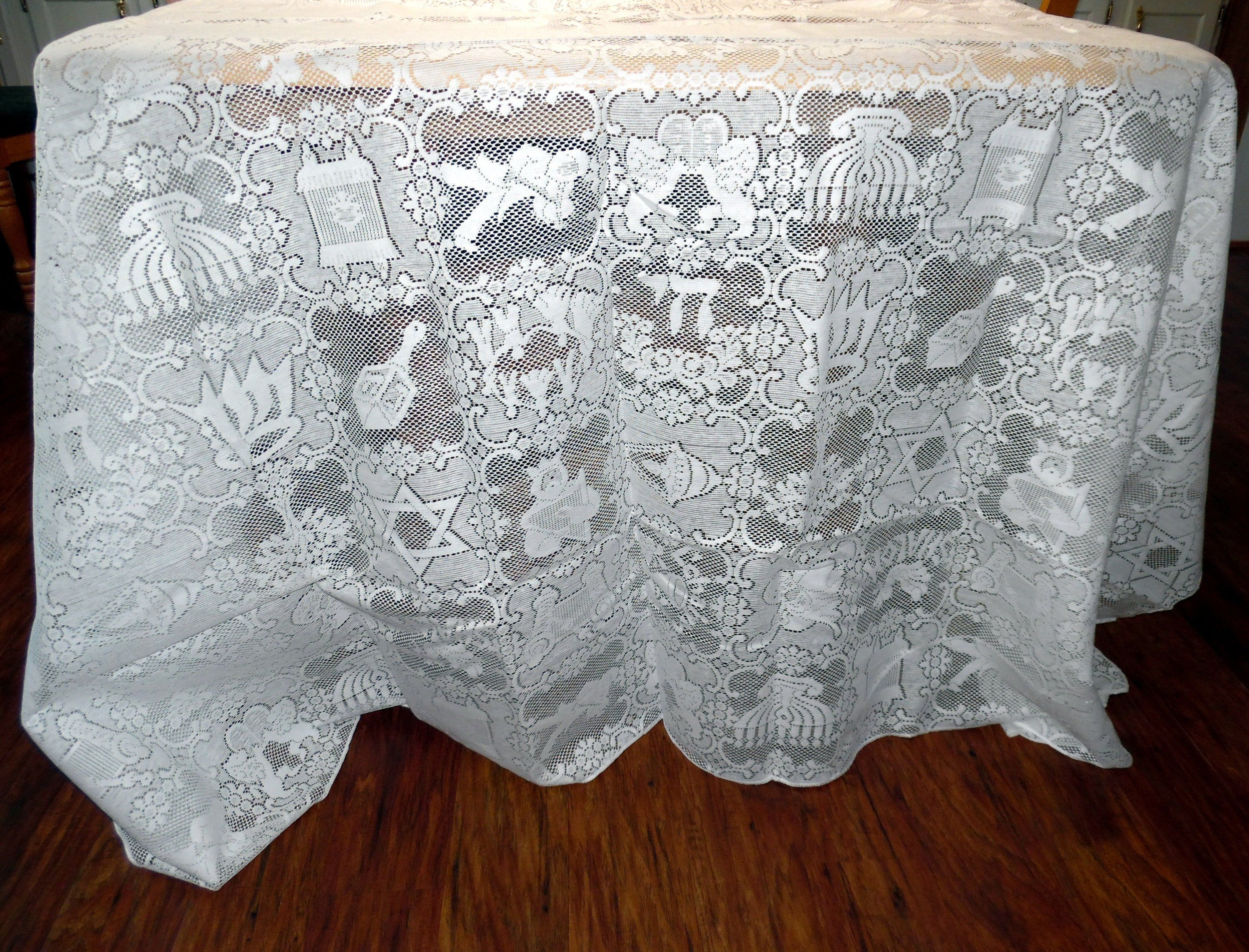Pin By Carmen Mays On Lace Tablecloths Lace Tablecloth Wedding