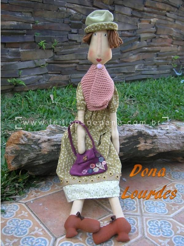 Dona Lourdes - 85 cm
