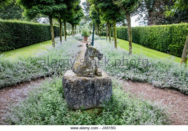 The Unicorn Walk And Sculpture At Medieval Cothay Manor Near Wellington In Somerset Uk English Garden Design Garden Sculpture Garden Statues