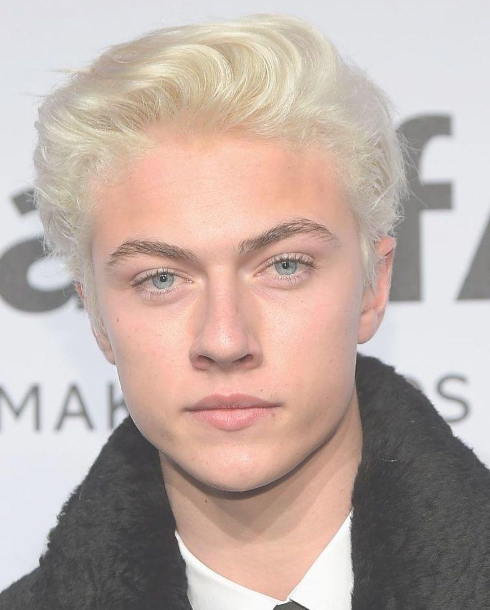 Celebrity Men With Bleached Blonde Hair Stylecaster Blonde Hair Boy Platinum Blonde Hair Men Bleach Blonde Hair