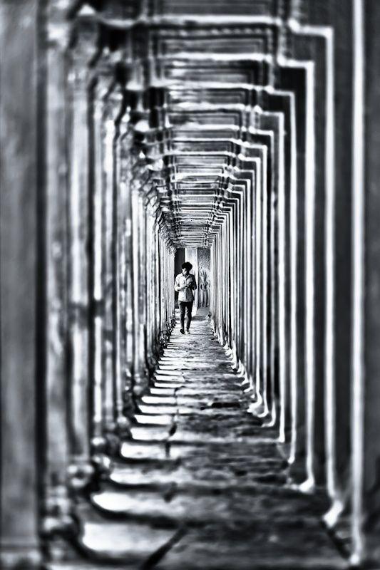 corridor   Black \ White Photography underground city - wandbilder für küche