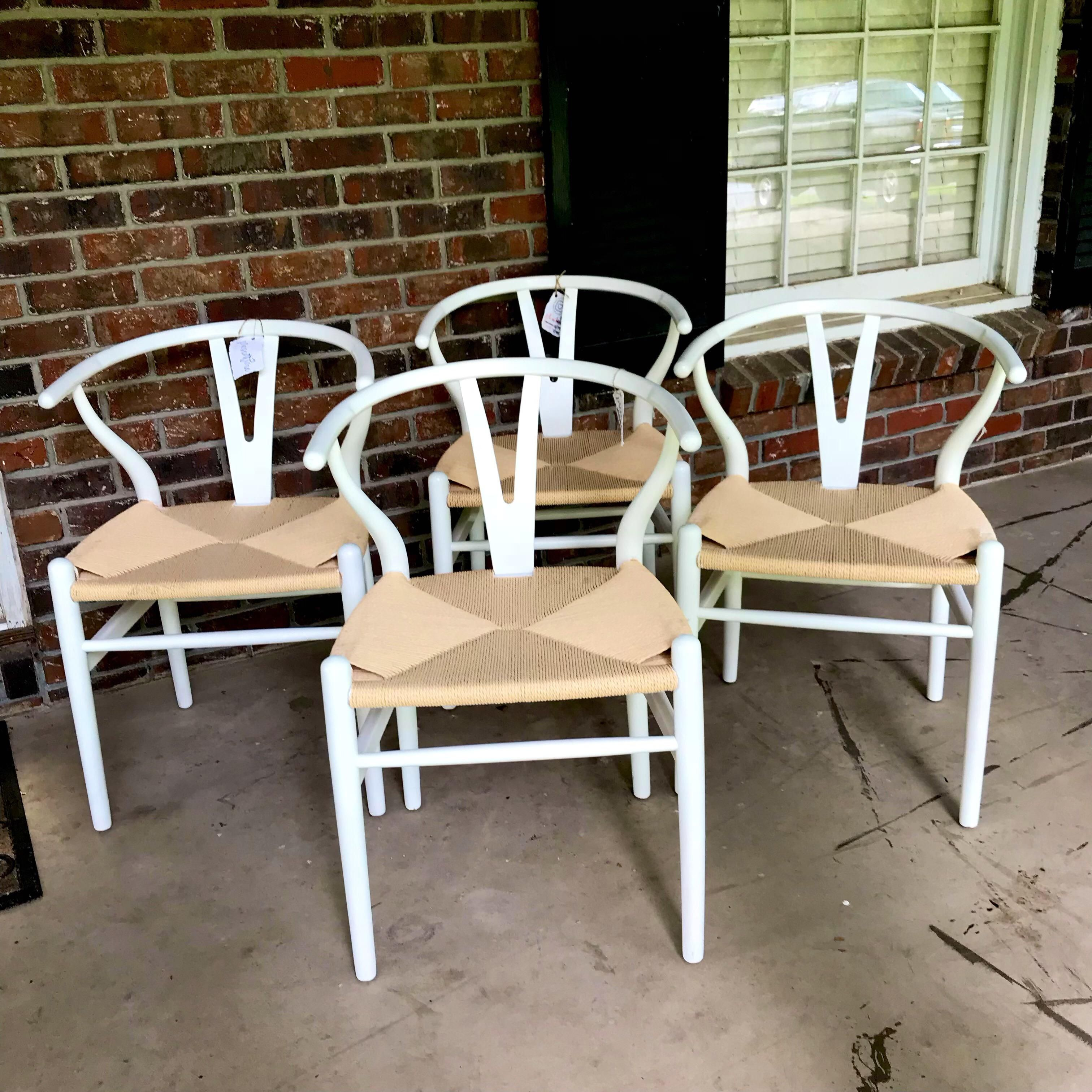 1970s Vintage White Wishbone Chairs Set of 4 Chair