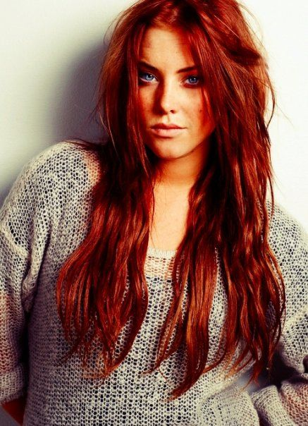 This Actually Looks A Lot Like Scarlett Except With Hazel Eyes Instead Of Blue Red Balayage Hair Red Hair Woman Beautiful Redhead