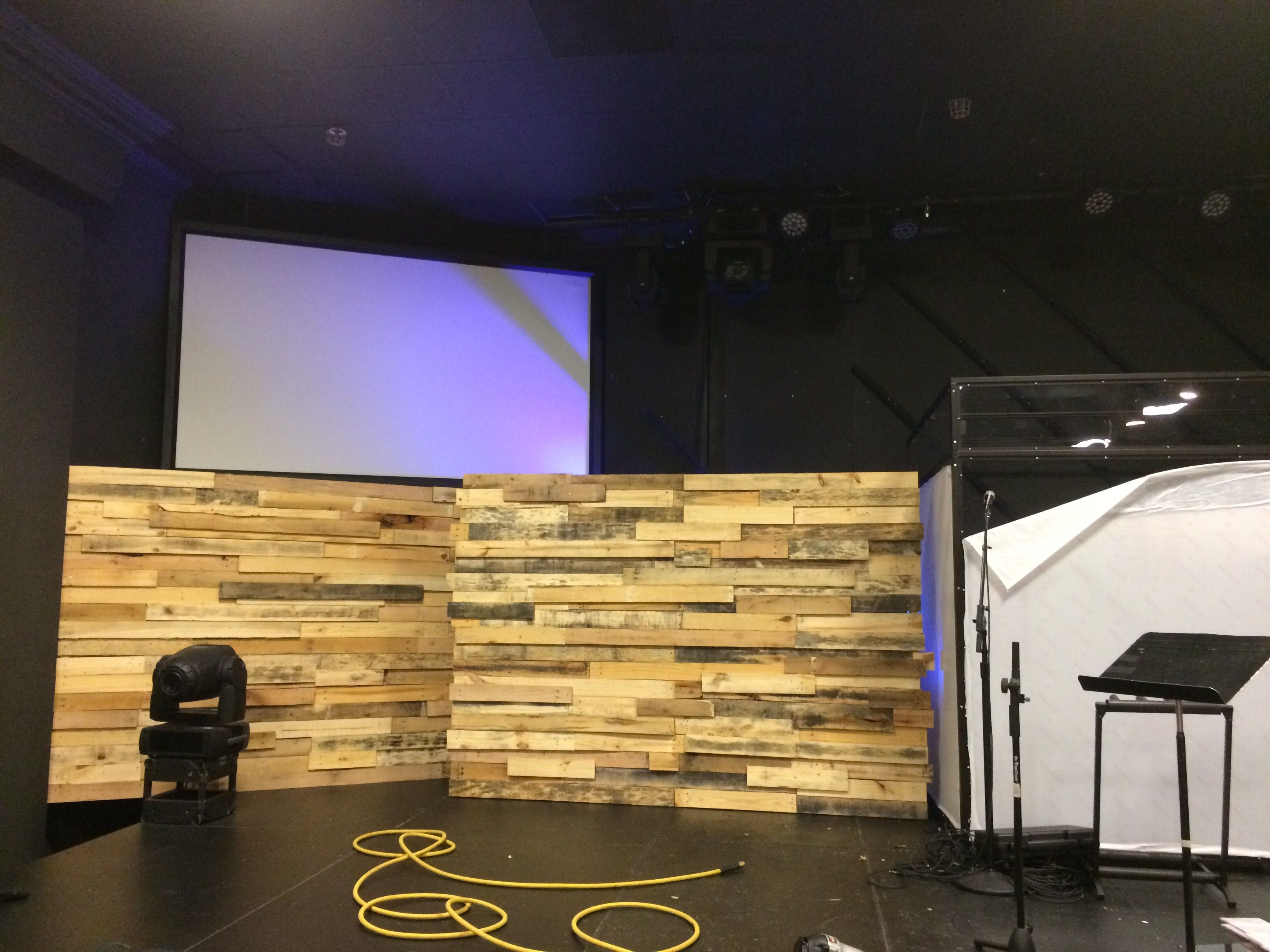 Bi Pallets | Church Stage Design Ideas