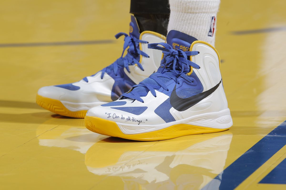 Stephen Curry UnderArmour sneakers become internet meme SI