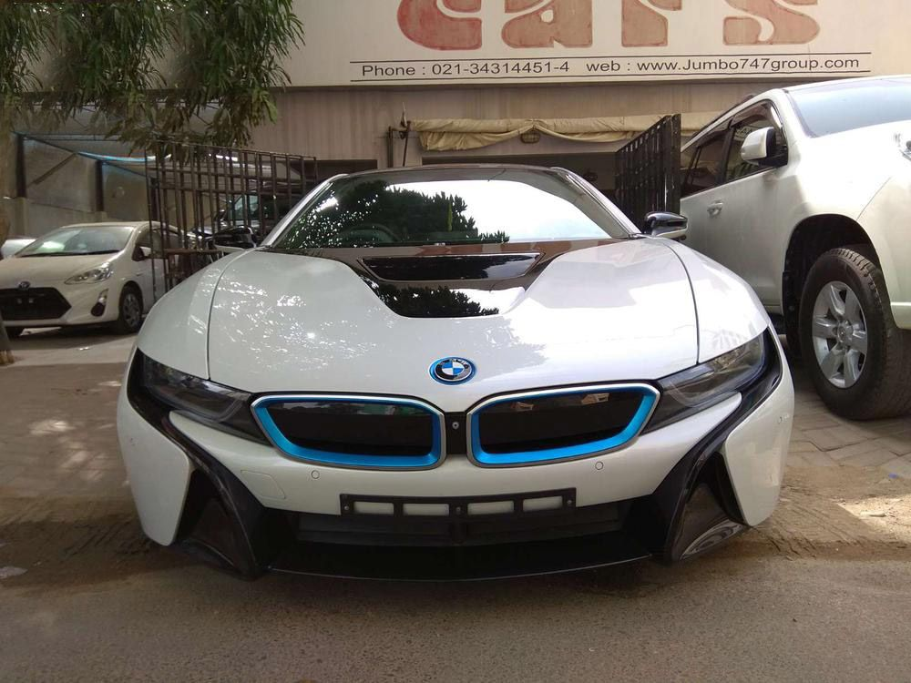 Bmw I8 White For Sale Pakistan In Second Hand And Good Condition