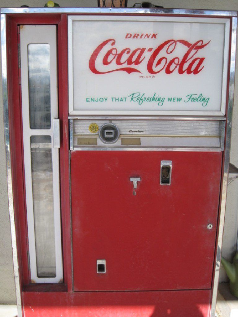 Early 1960 Cavalier CocaCola Soda Machine Model CS 142E Collectibles