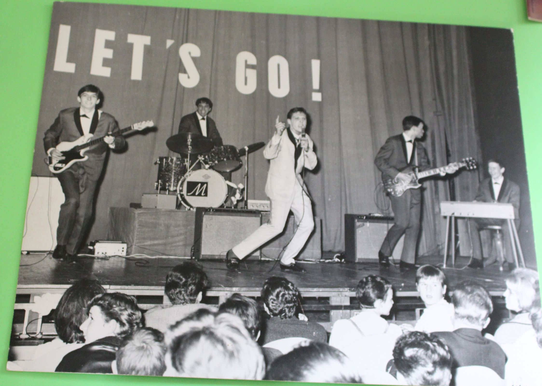 «Larry Greco» Zu sehen in der Ausstellung «Oh Yeah! Popmusik in der Schweiz» im Museum für Kommunikation. Eine Reise durch das Abenteuer Schweizer Popmusik von den 1950ern bis heute.