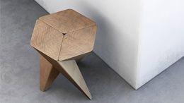 Girandola sgabello a tre gambe modulo in legno ad incastro