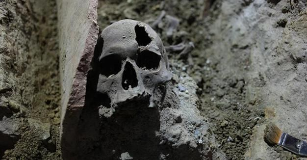Roman-Byzantine grave unearthed on Istanbul's İstiklal Avenue