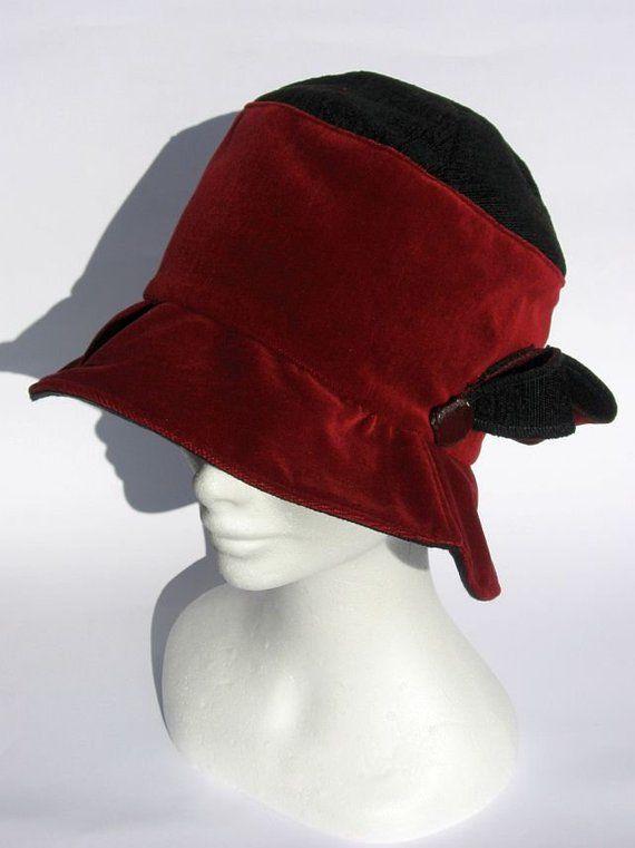 Red velvet hat 2be6b58d692e