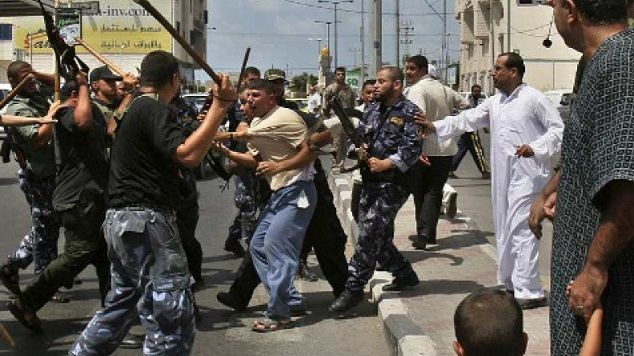 Human Rights Watch: Palestinians abuse media, activists