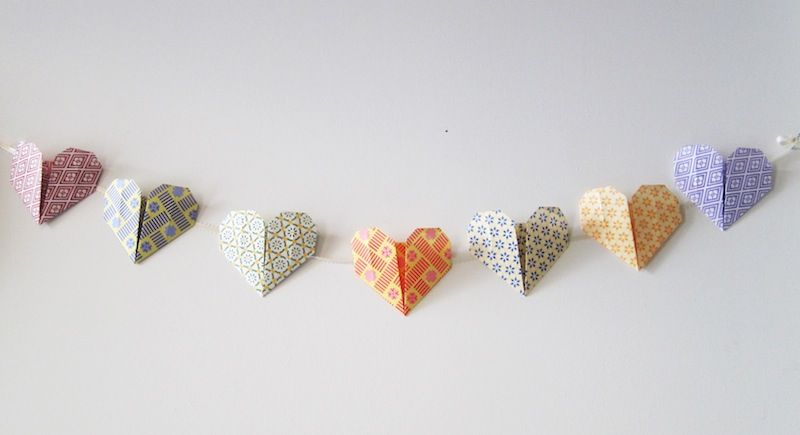 Origami Hearts Very Easy And Cute I Used Both 8x8 6x6 Paper To Mix It Up A Little