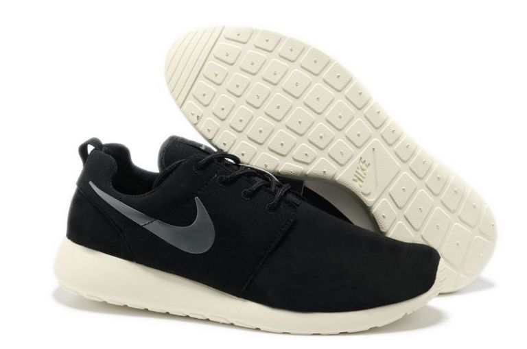 a menudo regla Domar  Nike Roshe Run Black White Silver Mens Shoes | Nike roshe run, Buy nike  shoes, Nike