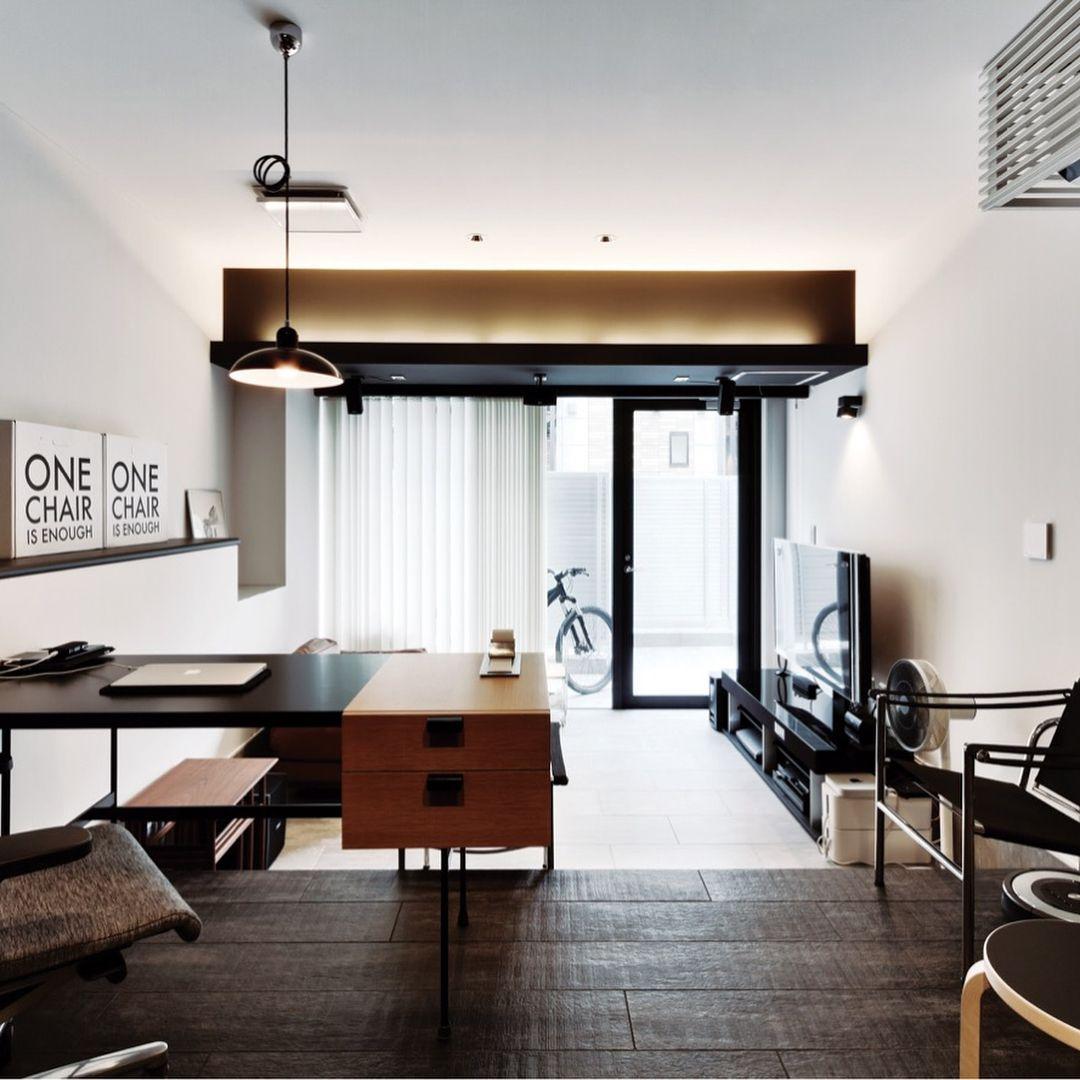 ヘーベルハウス 旭化成ホームズ株式会社 On Instagram へーベルハウスにお住まいの方のホームオフィス事例 家具1つひとつに住まい手のセンスが光る デスクは 部屋のサイズに合わせてオーダーした ピエール ポランが手掛けた F031 ペンダントランプは