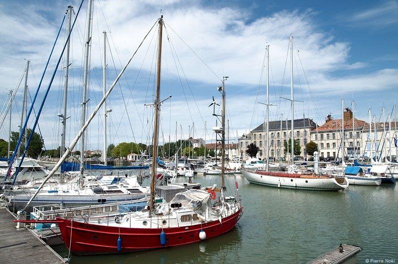 Poitou Charentes Mortagne En Gironde Port Gironde Poitou