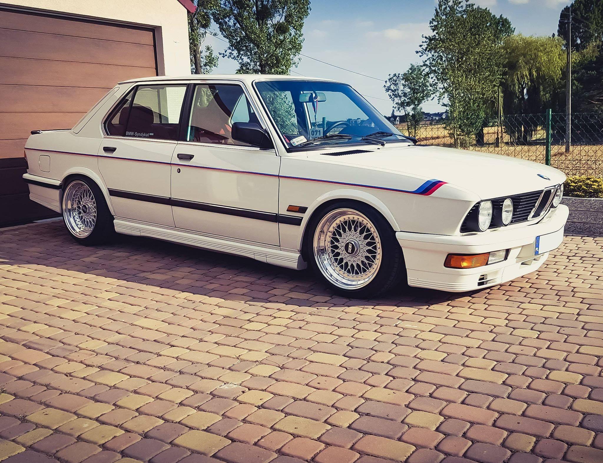 Bmw E28 1985 Bmw Bmw 1er Bmw Autos