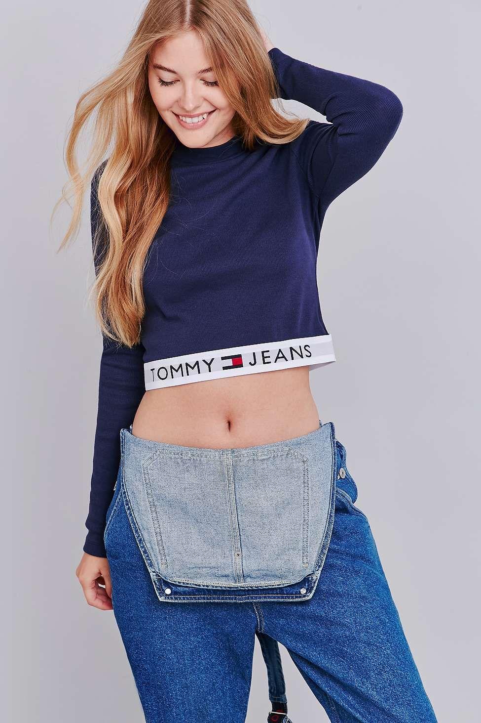928fe1631a1 Tommy Jeans - Haut court bleu marine à manches longues et bande griffée