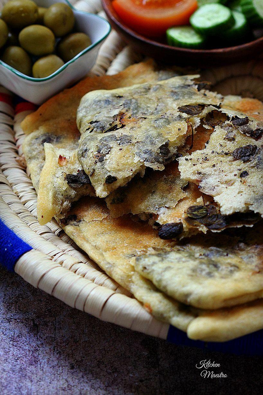 Zaatar flat breadfteer falahi flat bread and recipes arabic zaatar flat bread forumfinder Choice Image