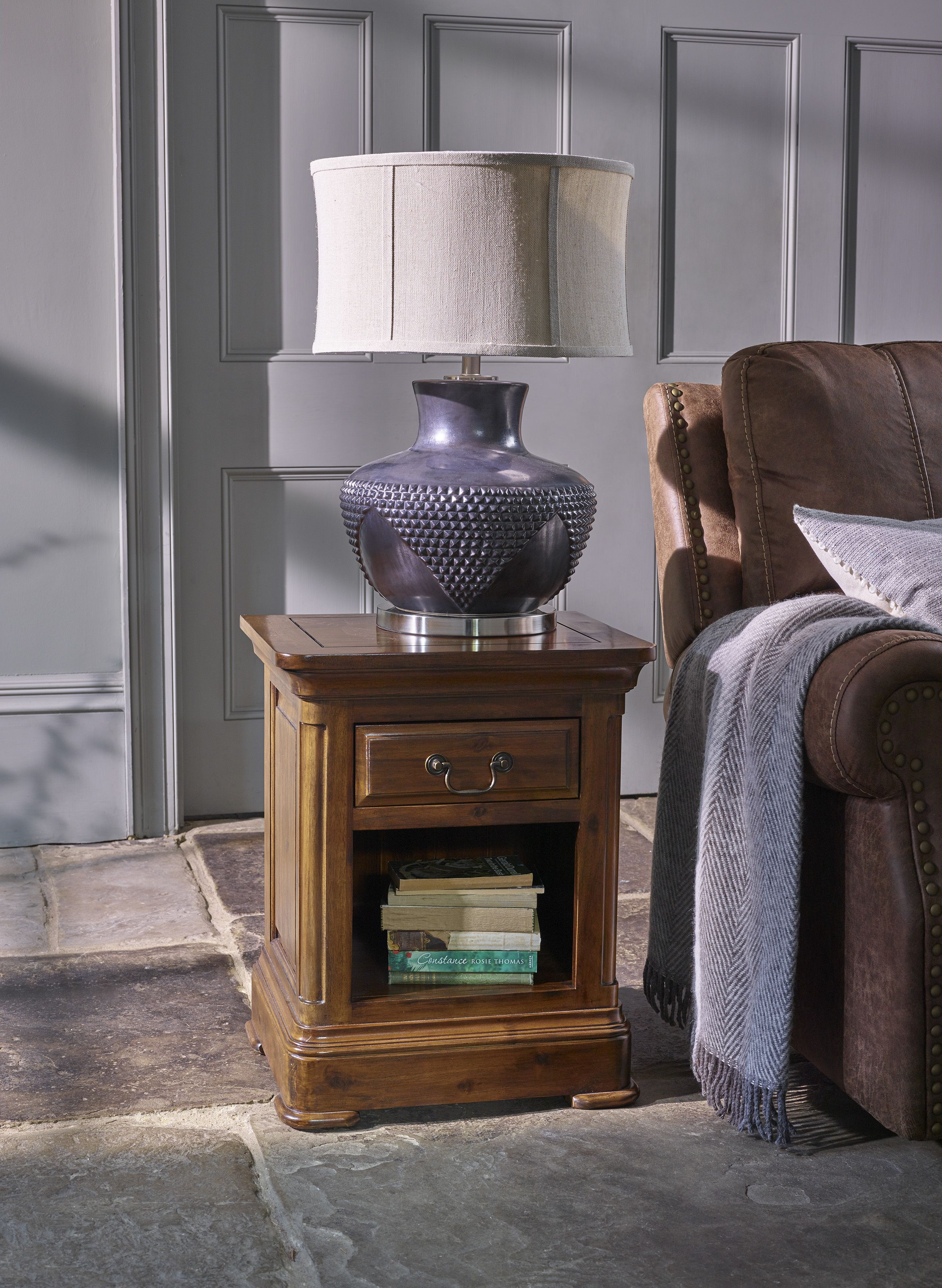 Our cranbrook dark wood solid hardwood side table is made to be an elegant and practical