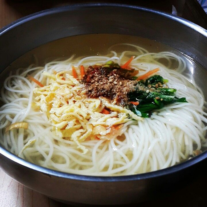 교리김밥 잔치국수