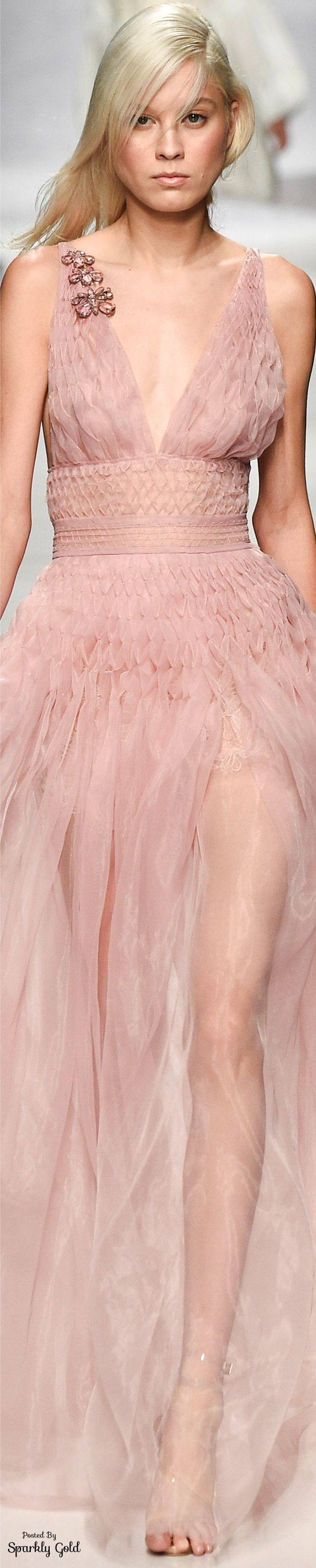 Ermanno Scervino S-17 RTW: pale pink gown. | Smocking y capitoné ...