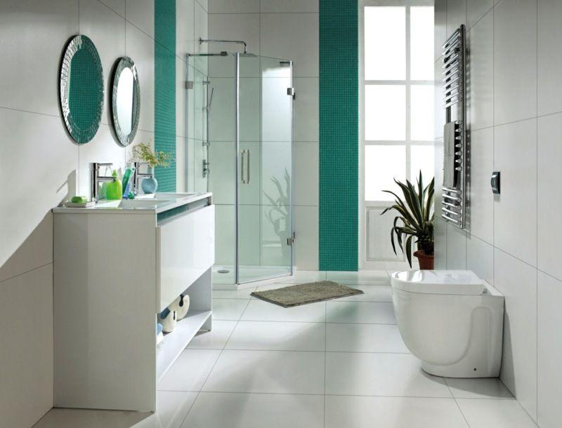 Weiße Badezimmer Einrichtung Mit Türkisen Mosaik Akzenten