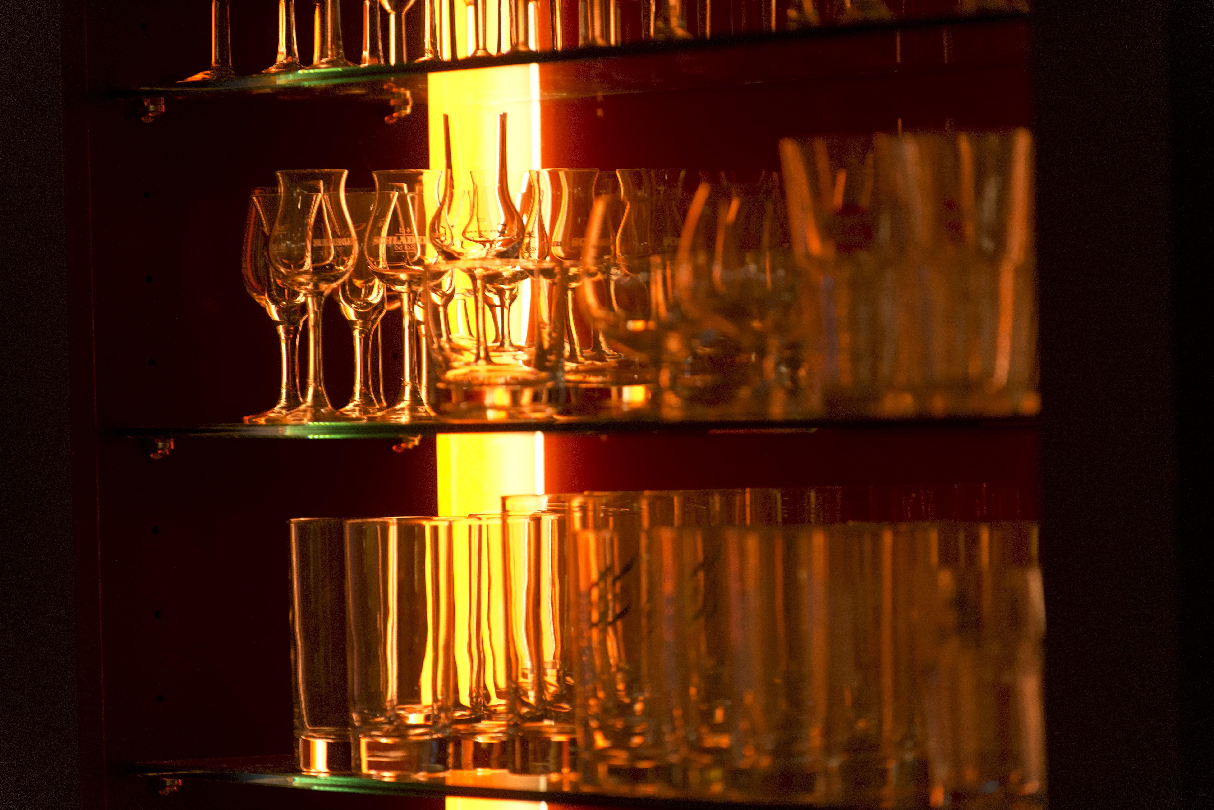 bar detail at Mercure Hotel Düsseldorf Airport