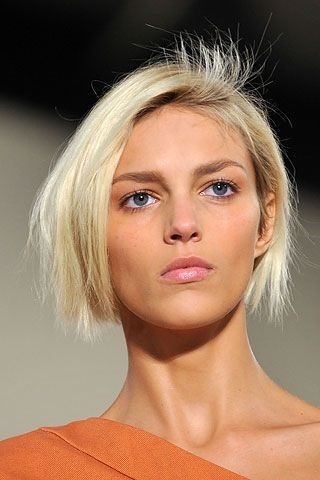 anja rubik--best blond crop cut ever?