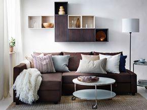soggiorno moderno con divano letto friheten marrone, pensili valje ... - Soggiorno Hemnes Ikea