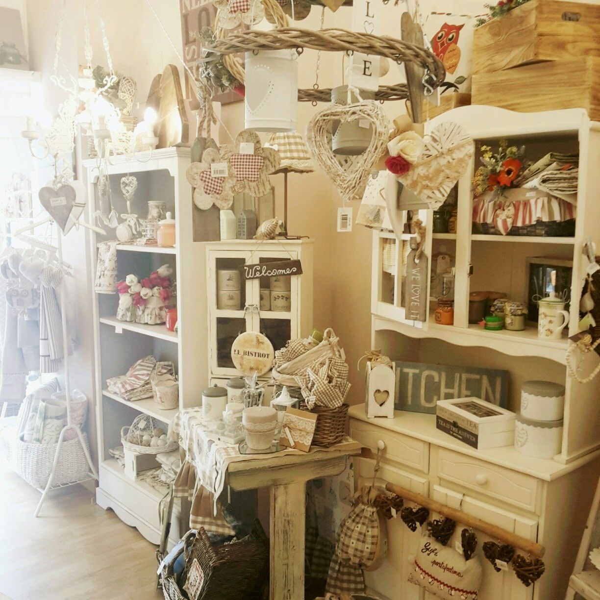 Shabby Chic Shop Country E Shabby Chic Handmade | Store Displays, Shabby ...