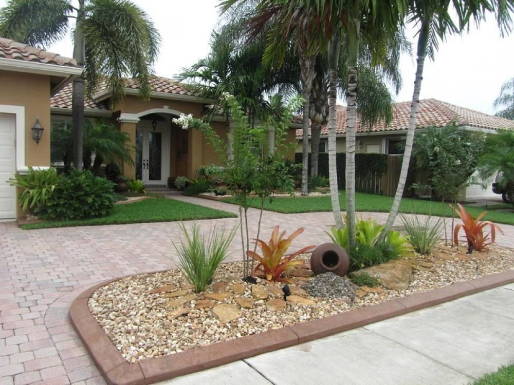 Tropical front yard landscaping ideas front garden for Florida backyard landscaping ideas