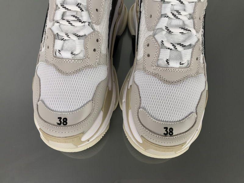 b57f4c8441b7 Off White x Balenciaga Triple S 490675W06F19005 Shoes 7