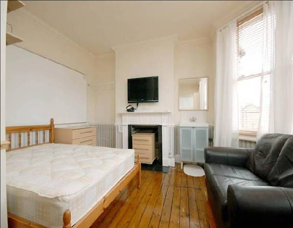 London 5 Bedroom Swanky Student Accommodation In Manor House N4 Zone 2 Ideal For Ucl Kings Lse Soas And West Student Accommodation House Accommodations