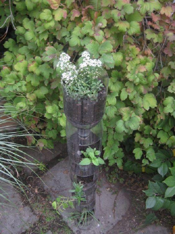 Come realizzare un giardino verticale con le bottiglie di plastica ...