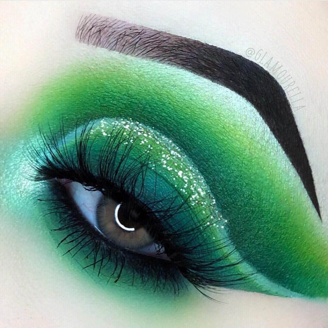Poison Ivy Eye Look Created By Poison Ivy Makeup Halloween Makeup Inspiration Poison Ivy