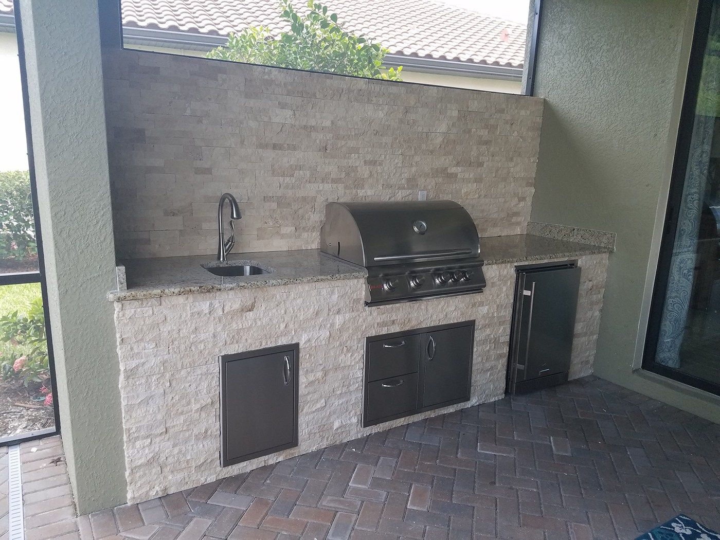 Under The Lanai Outdoor Kitchen By Eok Elegant Outdoor Kitchens