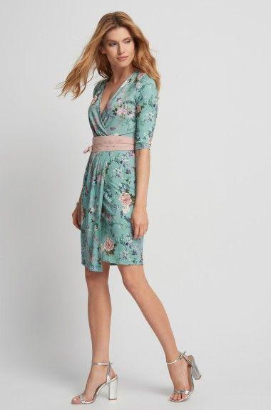 e5506b583e6 Květované šaty s páskem
