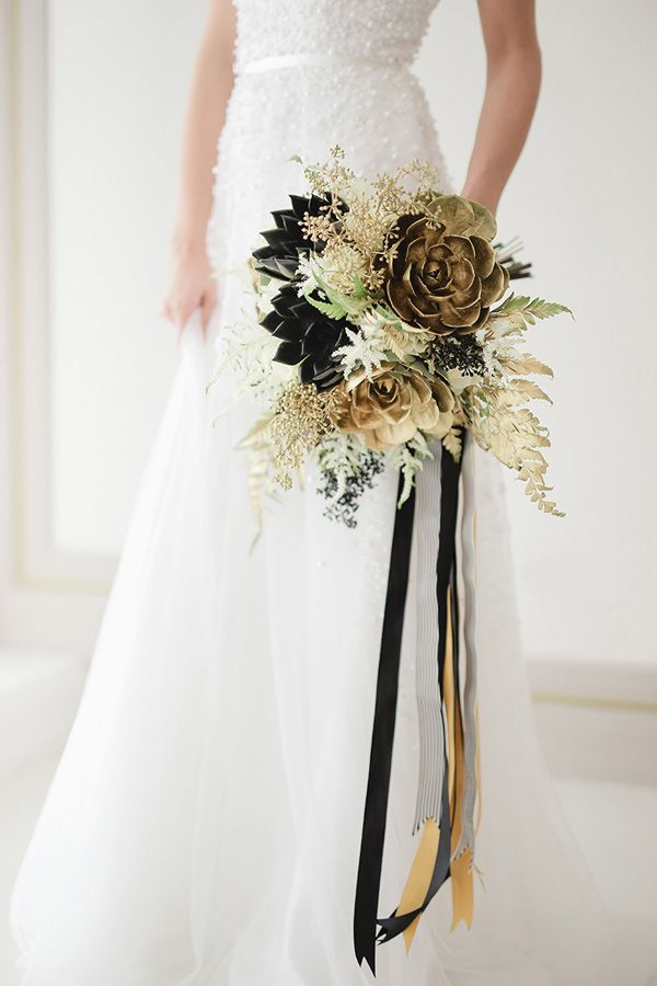 14 Bridal Bouquets That Will Take You To A Floral Frenzy Gold