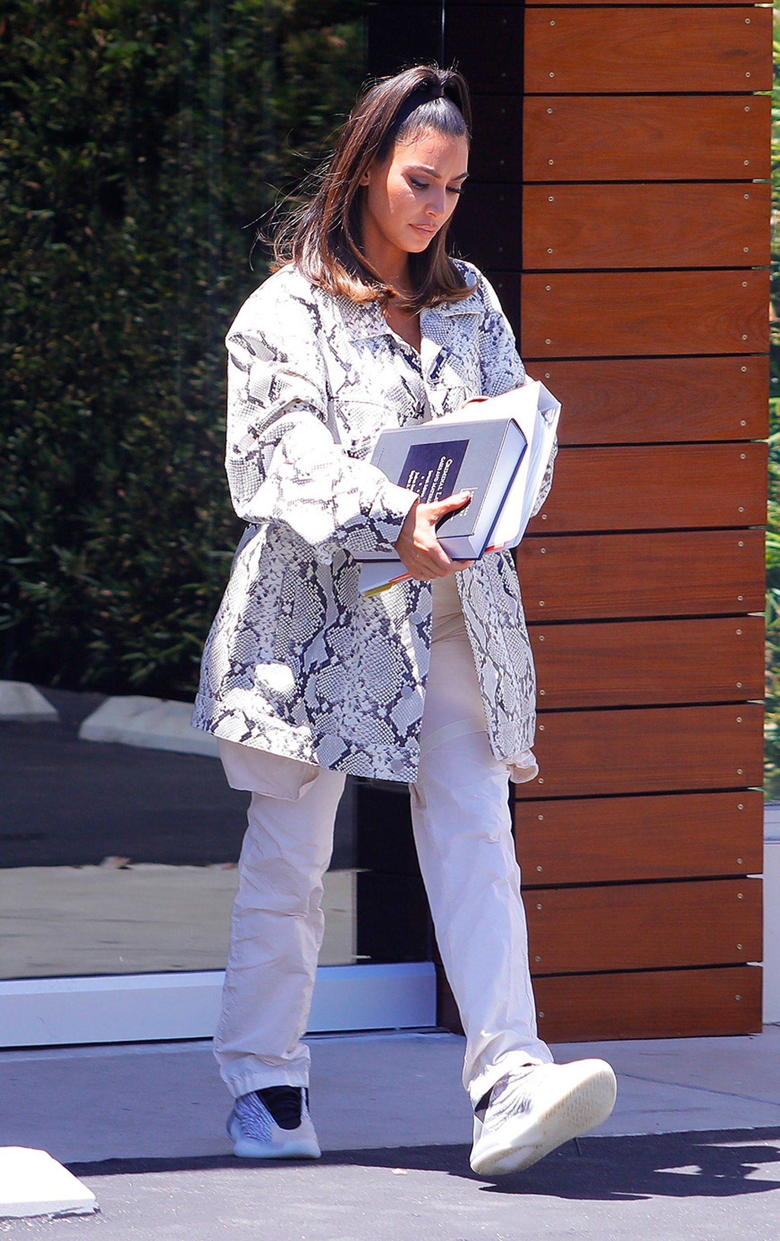 Aspiring Lawyer Kim Kardashian West Matched Her Look To Her Textbook