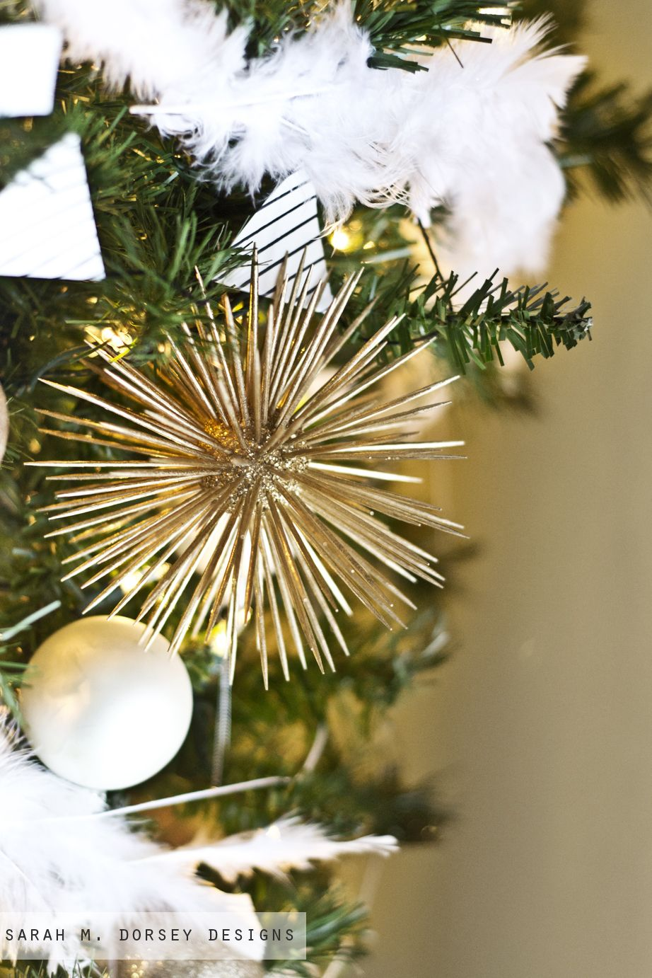 Urchin Ornaments Made With Styrofoam Balls Toothpicks And Gold Spray Paint Christmas Crafts Decorations Diy Christmas Ornaments Christmas Diy